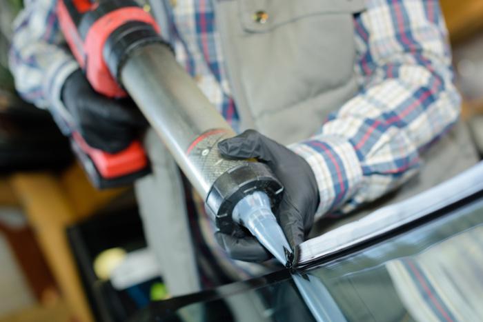 Eine Akku Kartuschenpistole erlaubt kinderleichtes Einstellen der Pressgeschwindigkeit
